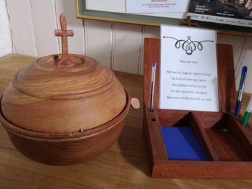 Bønnekrukken i våpenhuset